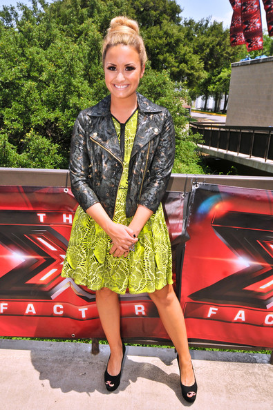 Demi+Lovato+X+Factor+Judges+Arriving+Auditions+mAGnMCq-JjDl