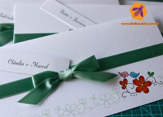 convite-casamento-romantico-moderno-economico-barato-abelha-catita-8-700x500